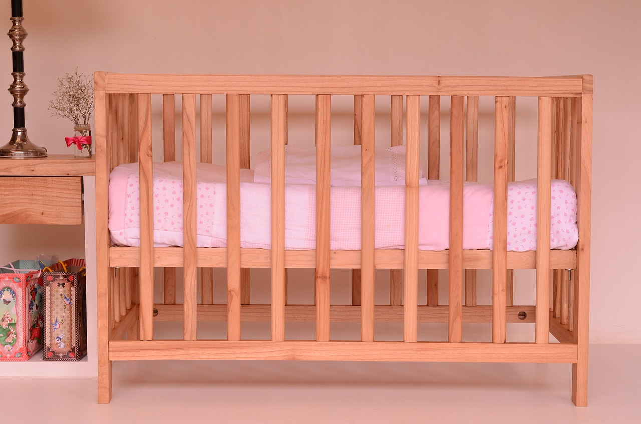 Jak wybrać materac do łóżeczka?