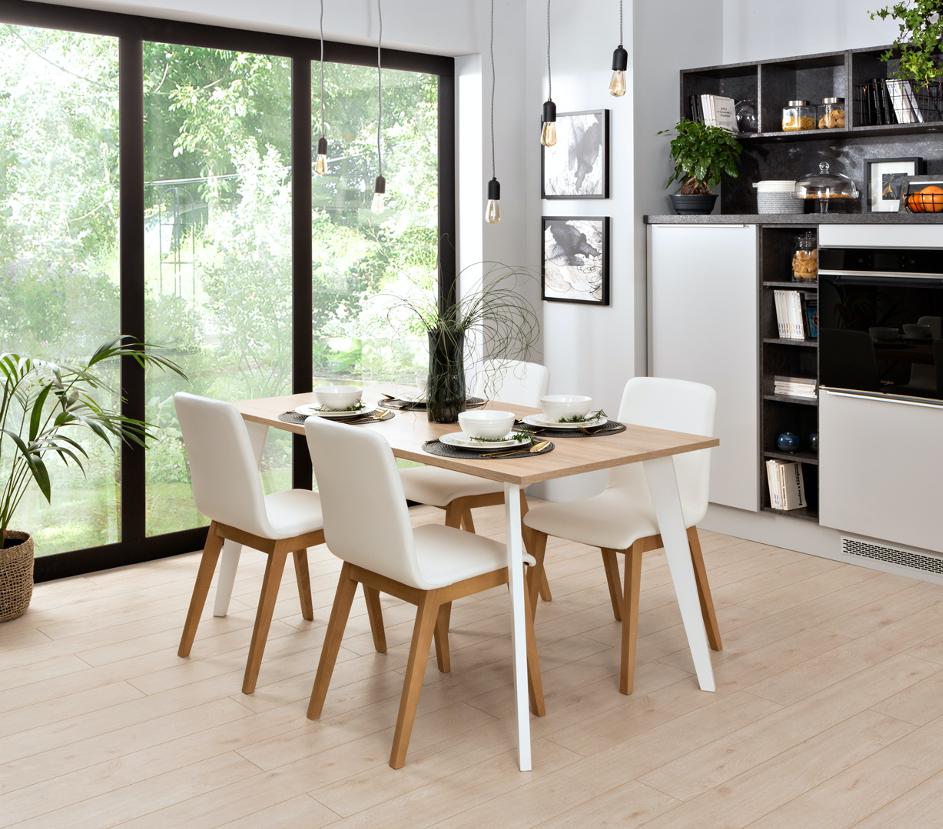 Jakie są zalety stołów personalizowanych?