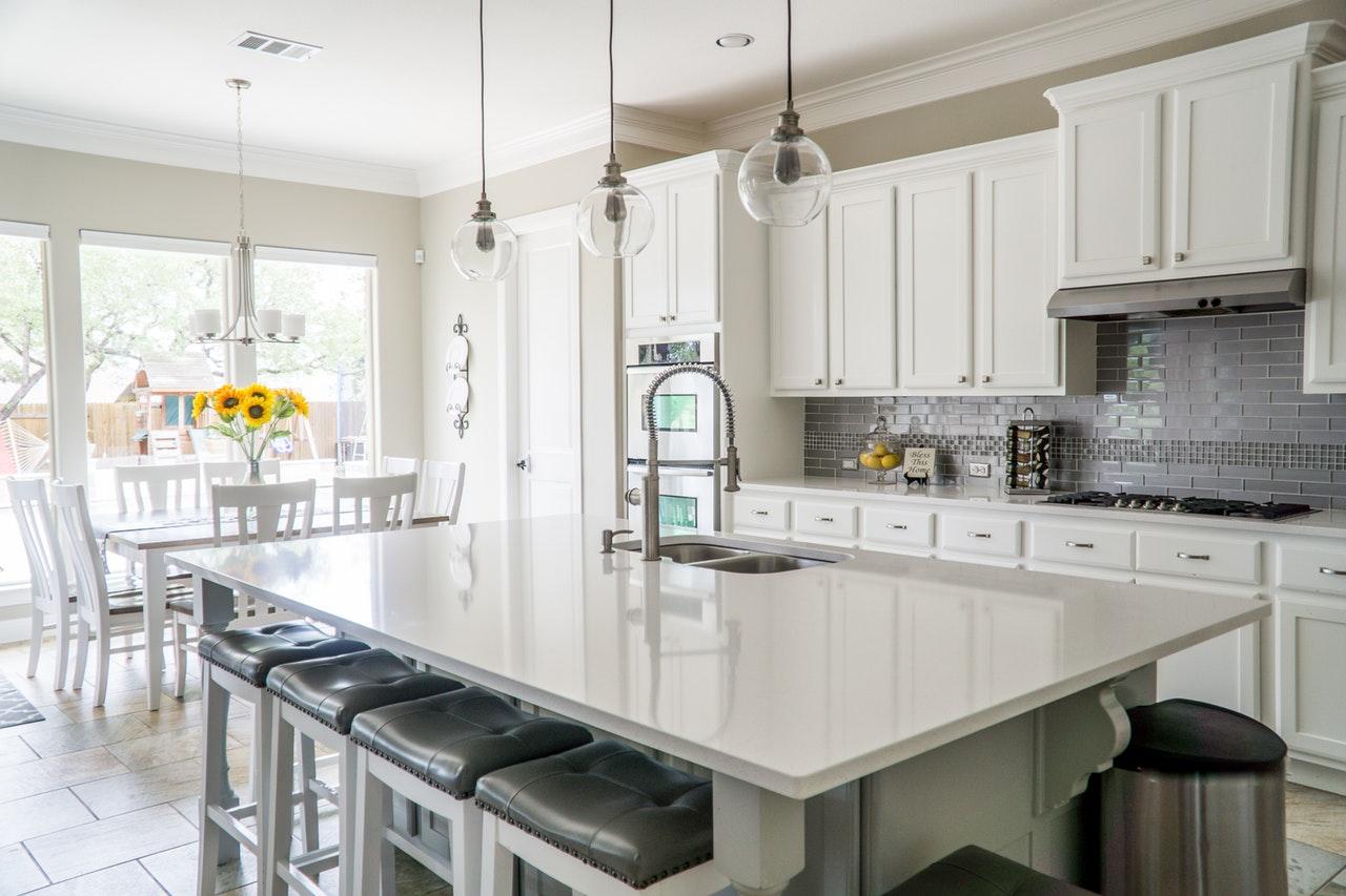 Jak rozmieścić oświetlenie w kuchni?