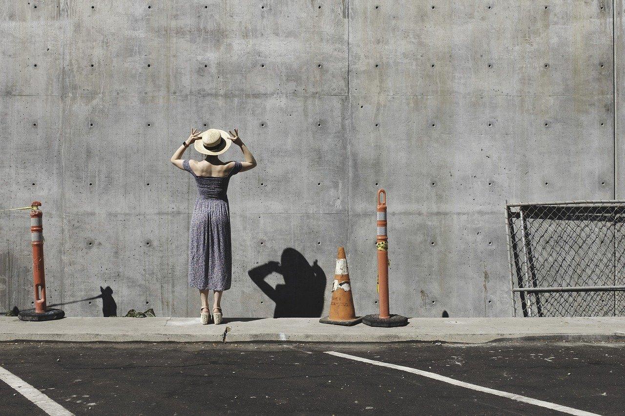 Farba do betonu, czyli czym malować beton?