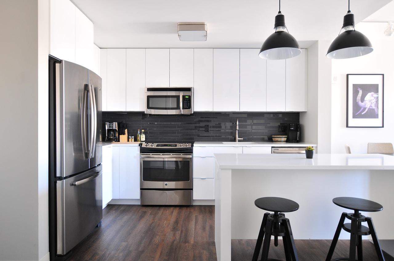 Ściana w kuchni – pomysły aranżacyjne